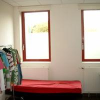 Zandstraalfolie loges en kleedkamers studio 100 londerzeel for Spiegelfolie gamma